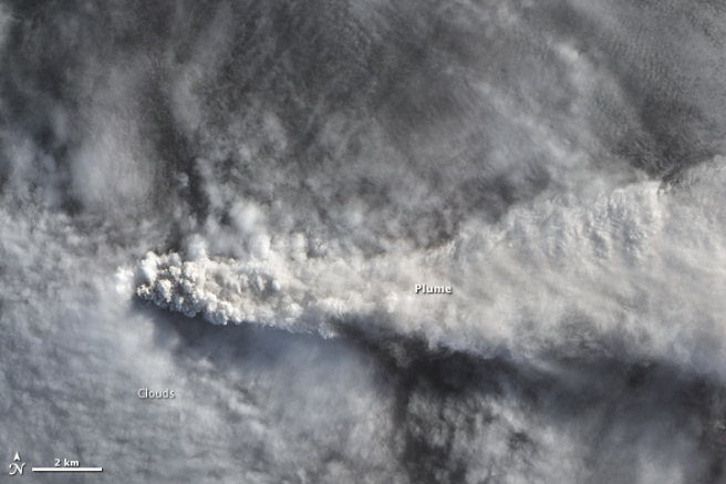 Tracking_the_Sulfur_Dioxide_from_Calbuco,_acquired_April_25_2015