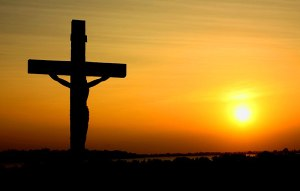 800px-Cross_in_sunset